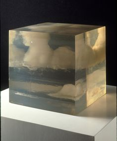 ++ Peter Alexander, Cloud Box, 1966, Cast Polyester Resin, 10 x 10 Je me l'imagine bien chez moi en table d'appoint ou juste comme ça