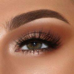 Eye Makeup Blue, Makeup Eye Looks, Simple Eye Makeup, Smokey Eye Makeup, Makeup For Brown Eyes, Eyeshadow Makeup, Face Makeup, Bronze Eye Makeup, Natural Makeup