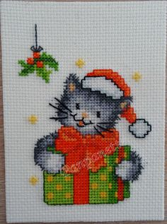Chat de noël Cross Stitch Cards, Xmas, Patterns, Crochet, Animals, Scrappy Quilts, Cross Stitch, Bullion Embroidery, Embroidery Stitches