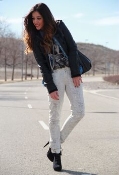 rockin me #fashion #outfit #style #look , Blanco in Shirt / Blouses, Mango in Pants, Loeds in Bags, Marypaz in Ankle Boots / Booties