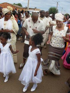 Shweshwe Dresses for Women 2017 / 2018 - Reny styles Traditional Wedding Attire, African Traditional Wedding, African Traditional Dresses, Traditional Weddings, African Print Dresses, African Fashion Dresses, African Dress, Shweshwe Dresses, South African Weddings