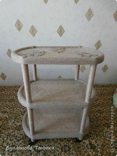 И последний мой эксперимент с мебелью и шпагатом. В инете увидела журнальный столик, обклееный шпагатом и…