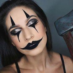 Creepy Clown Halloween Makeup Idea for Women