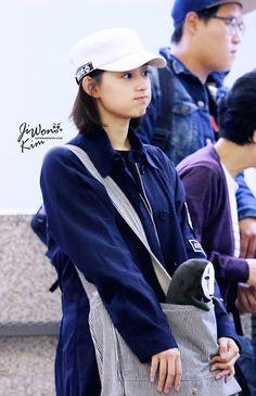 Nhan sắc ngoài đời xinh ơi là xinh của nữ quân nhân Yoon Myung Joo trong Hậu duệ mặt trời - Ảnh 4.