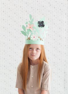 Easter bonnet ideas sure to wow at the Easter parade. From easy Easter hats to fun Easter crowns, here are 17 Easter bonnets the kids will love. Diy For Kids, Crafts For Kids, Easter Hat Parade, Origami, Papier Diy, Paper Crowns, Crazy Hats, Sand Crafts, Kids Hats