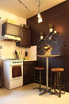 Mini kitchen-great use of space
