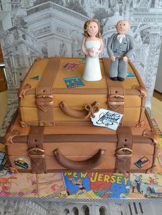 Vintage luggage and destination wedding cake www.azombiestolemycupcake.co.uk Luggage Cake, Travel Cake, Vintage Luggage, Vintage Party, Travel Themes, Cupcakes, Creative Cakes, Wedding Reception, Wedding Ideas
