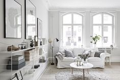 string hylla inspiration - Sök på Google White Rooms, Living Room White, Home Living Room, White Walls, Living Area, String System, Swedish House, Swedish Style, Scandi Style