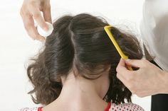 Natural Remedies to Eliminate Head Lice Natural Pesticides, Natural Living, Healthy Tips, Body Care, Hair Inspiration, Natural Remedies, Beauty Hacks, Essential Oils, Hair Cuts
