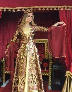 Başlıklı Osmanlı Hürrem Kaftan Bindallı Kına Elbisesi 22 [Bindallı Kaftan Modelleri http://www.ceyyiz.com/Kina-Kiyafeti-Bindalli,LA_158-2.html]