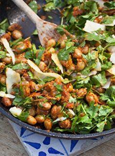 Sarah Raven's favourite recipe for borlotti beans. A ratatouille for a starter or main. Bean Recipes, Quick Recipes, Veggie Recipes, Gourmet Recipes, Salad Recipes, Healthy Recipes, Veggie Dinners, Veggie Food, Vegetarian Recipes