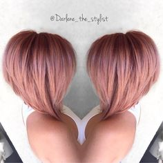 Graduated Bob Hairstyles that Looking Amazing On Everyone In 2020 Most Popular Graduated Bob Haircuts Love This Hair Love Hair, Great Hair, Gorgeous Hair, Awesome Hair, Cabelo Rose Gold, Rose Gold Hair, Visage Plus Mince, Graduated Bob Hairstyles, Short Graduated Bob