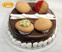 #Cake with #Macaron!