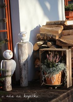 Autumn Ideas, Firewood, Planter Pots, Relax, Texture, Christmas, Crafts, Angels, Surface Finish