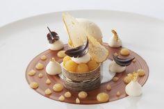 #Poire-Chocolat #Chef #Rochedy #Buron #GrandsChefsRelaisetCateaux #MOF #Chabichou #Gastronomique #Restaurant #Michelin #2macarons Crédit photo: Philippe Barret