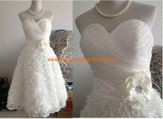 Günstig Extravagantes Brautkleid 2013 aus Chiffon mit Blumen