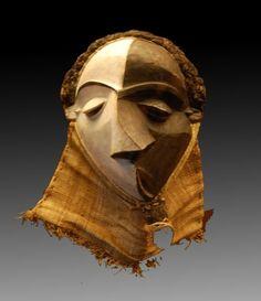 Masque mbangu, Pende Centraux Bandundu méridional, Zaïre. Musée de Tervuren Bruxelles. (c) Lankaart.