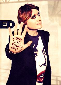 Nicky Wire! HAVE MY CHILDREN YOU LUMP OF MIDDLE AGED ROCK!!
