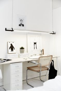 A bright scandinavian apartment | work space