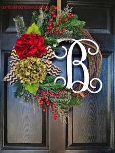 Rustic Hydrangea & Pine Holiday Grapevine Wreath. Christmas Wreath. Winter Wreath. House Warming Gift. Christmas Gift.