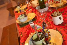 To the Shebeen - Table Decor & Concept by WrxGrp African Wedding Theme, African Theme, Zulu Traditional Wedding, Traditional Decor, Safari Party Decorations, Table Decorations, Wedding Decorations, South African Decor, African Christmas