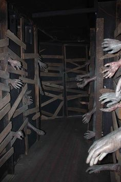 ideas about haunted house decorations on pinterest haunted house