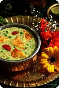 Paneer pav bhaji recipe, pav bhaji with paneer Best Paneer Recipes, Paneer Curry Recipes, Veg Recipes, Indian Food Recipes, Vegetarian Recipes, Cooking Recipes, Healthy Recipes, Dessert Recipes, Desert Recipes