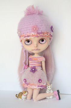 Blythe Doll Mallory posing