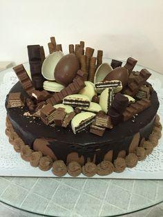 Kinder,kitkat,oreo&cuprise chocolate delicios cake