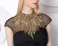 Risultati immagini per bordado com pedraria Zardosi Embroidery, Couture Embroidery, Embroidery Fashion, Embroidery Dress, Beaded Embroidery, Embroidery Designs, 3d Fashion, Fashion Details, Ideias Fashion