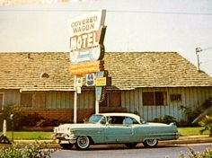 Vintage 1960s Covered Wagon Motel Postcard // Buena Park // Knotts Berry Farm