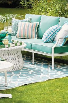 Throwback silver screen glamour with surges of iconic color and a modern twist or two. This swank look has been decades in the making. Outdoor Retreat, Backyard Retreat, Outdoor Rooms, Outdoor Living, Outdoor Cushions, Outdoor Chairs, Outdoor Decor, Outdoor Lounge, Outdoor Garden Furniture
