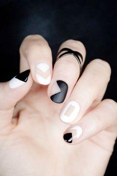 black, black and white, grafic, nail, nail art, nails, white, nail art grafic