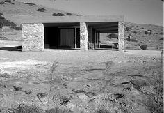 """Aris Konstantinidis"" The Weekend House in Anavyssos School Architecture, Architecture Details, Interior Architecture, Mid-century Modern, Contemporary, Weekend House, Interior Exterior, Interior Inspiration, House Architecture"