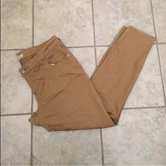 Old Navy Pants These are Old Navy pants, they are the Rockstar style size 16 regular. In excellent condition. Old Navy Jeans Skinny