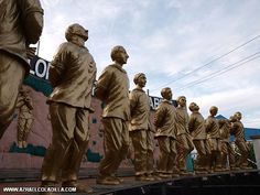Statues of the 13 martyrs located infront of the Trece Municipal hall. The name Trece Martirez came from the 13 martyrs who died in a death trial after they were accused of being a traitor to the katipuneros. Although, the allegations were not proven