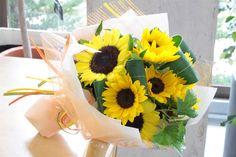 『ヒマワリ』だけの花束。