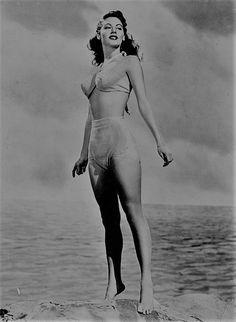 Ava Gardner, c.1946. I wish I had a figure like hers.