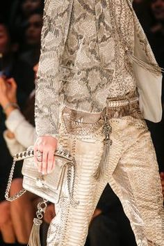 Roberto Cavalli Spring 2014 Ready-to-Wear Fashion Show: Details - Style.com