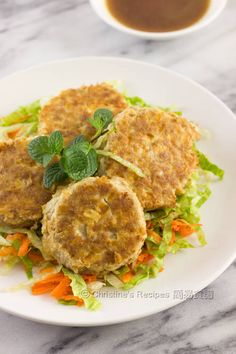 The tofu, adding a refreshing note, helps turn the pork mince patties even more tender with moist.