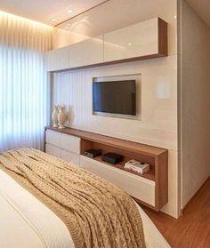 [Painel de TV para o quarto] - Se o espaço entre a cama e a parede for estreito, você pode instalar . Condo Living, Home Bedroom, Bedroom Design, Dorm Room Essentials, Home Decor, House Interior, Small Room Bedroom, Modern Bedroom, Living Room Tv