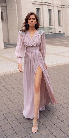 Wedding guest dress - The 15 Most Stylish Wedding Guest Dresses For Spring – Wedding guest dress Dresses Elegant, Stylish Dresses, Pretty Dresses, Beautiful Dresses, Fashion Dresses, Casual Dresses, Simple Dresses, Stylish Gown, Long Dress Fashion