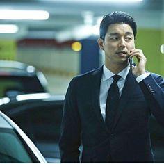 Instagram Six Pack Abs Diet, Six Abs, Korean Men, Asian Men, Korean Actors, Gong Yoo, Kdrama Actors, Classic Man, Busan