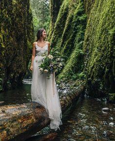 "1,289 Me gusta, 15 comentarios - Rodolfo Mcartney (@rodolfomcartney) en Instagram: ""Feliz! Foto @iamjesshunter #weddingphotography #bride #lovely #flowers"""