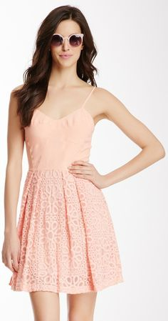 Perfect summer dress! Beach, Day out with the girls, or even a Date. So versatile.