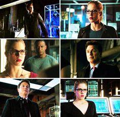 The way Felicity looks at Malcom #Arrow