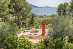 #terrasse #restanque #mer #vue #plantation #provence #Marseille #jardin #olivier #aménagement #outdoor #paysagiste #pa Plantation, Provence, Images, Gardens, Garden Design, Olive Tree, Landscape Fabric, Landscape Planner, Marseille