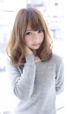 ゆるい内巻きカールのゆるふわヘアスタイルのアイデア♬好印象な髪型・カット・アレンジ♡ Medium Hair Styles, Pretty Girls, Wigs, Girl Fashion, Hair Color, Lady, Cute, Beautiful, Hairstyles