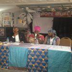 La diva Queen Eteme face à la presse a Yaoundé en images.