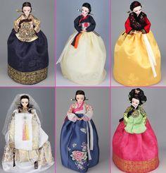 Youn-Ji Dolls 연지인형~ Pretty Little Hanbok Beauties Korean Hanbok, Korean Dress, Korean Outfits, Korean Traditional, Traditional Fashion, Traditional Dresses, Barbie Gowns, Barbie Dress, Korean Accessories